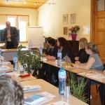 Министър Ивайло Калфин по време на срещата в Карин дом