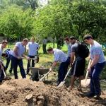 Bulgarian cadets help at Karin Dom