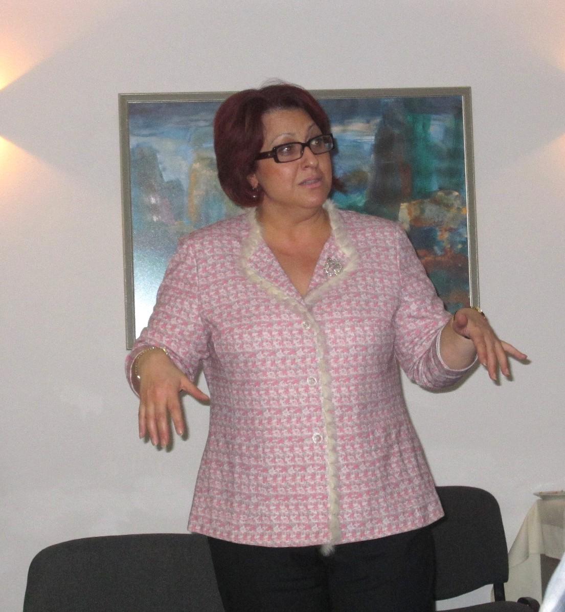 Mrs Arakelyan at the Café Sosiete meeting